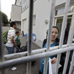 Die hochschwangere Afghanin Shahrbano Safdari (20 Jahre) hat in der Landesaufnahmestelle für Flüchtlinge eine Unterkunft bekommen.