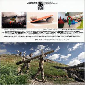 """Das Foto """"Beim Abzug tragen Soldaten die Holzkreuze ihrer Gefallenen von der Gedenkstätte in Afghanistan"""" ist seit 2015 in einer Dauerausstellung der Sammlung & Galerie Nöth"""